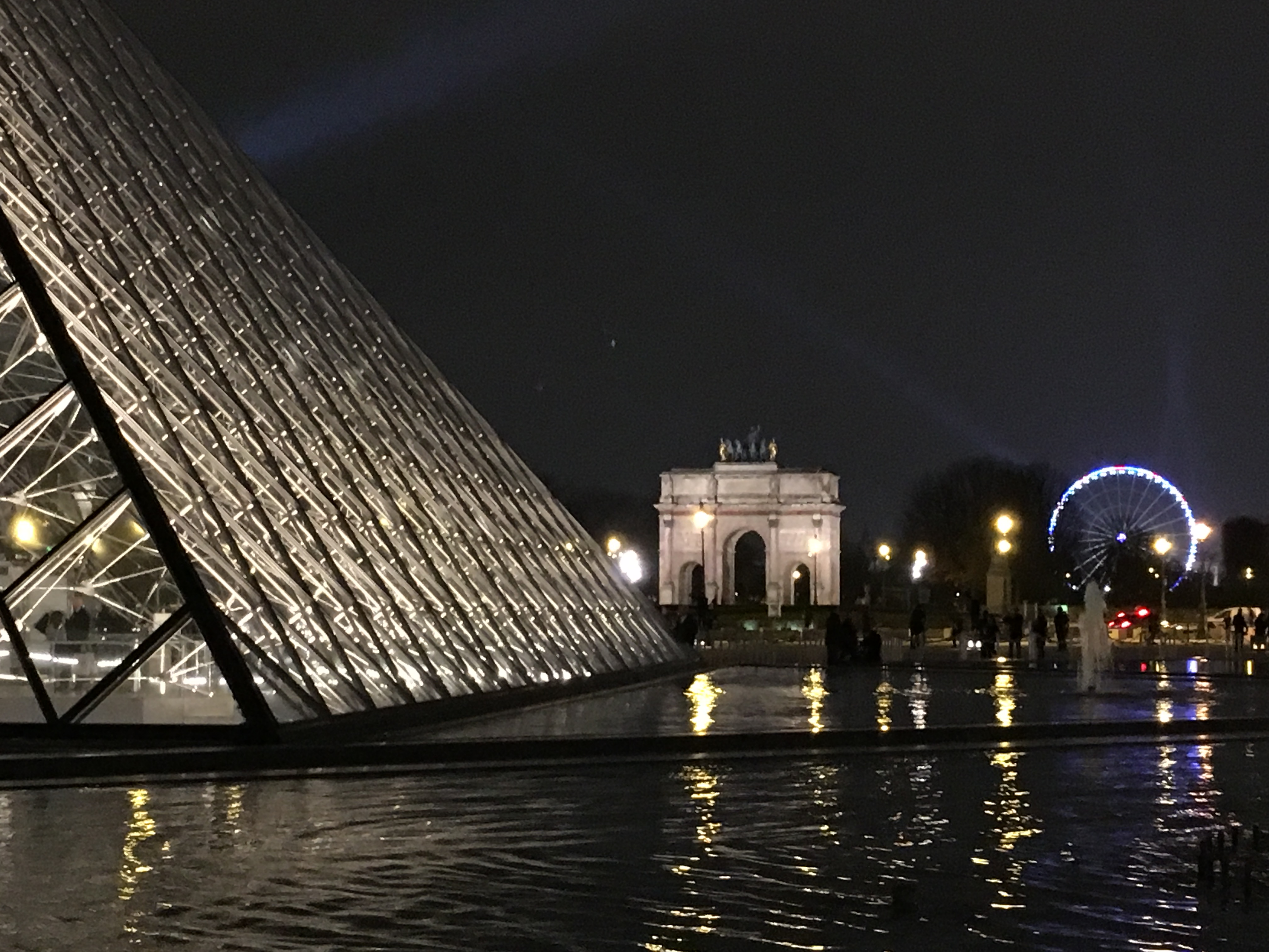 louvre-at-night